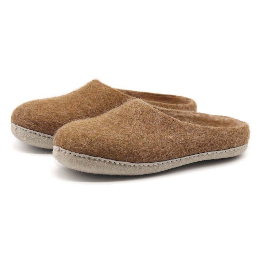 Nootkas Astoria Wool Slippers in Toffee
